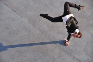 Coreografia D'arte: Andrea Gallo Rosso :performance su opere di Perna