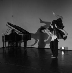 danza-a-spazio-tadini-contact-federicapaola-capecchi