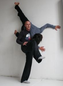 Roberto-Lun-Danza-Contact
