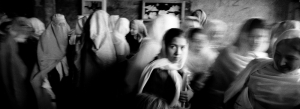 Kabul 2002 female students in a public school Ph Riccardo Venturi